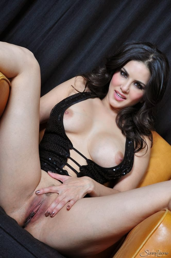 Sexy hot sunny leone licking pussy yourlust