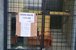 Pemilik Warung Nekat Segel Kantor Satpol PP Karena Hutang Nasi Rp. 60 Juta