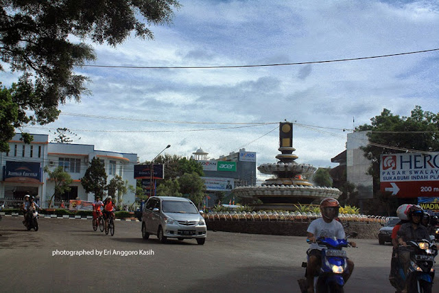 Bunderan alun-alun Kota Sukabumi