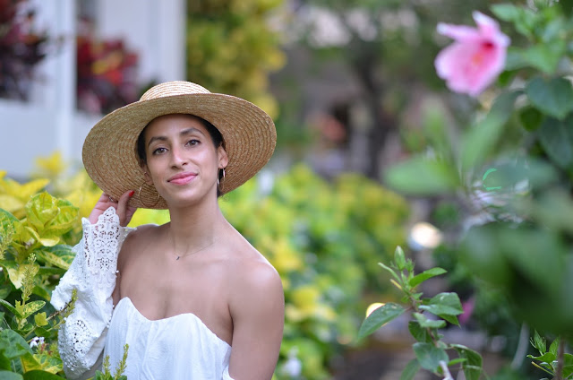 where to stay when in waikiki, shoreline hotel in waikiki, stone cold fox dress, stone cold fox, chic beach wear, cute boater straw hat
