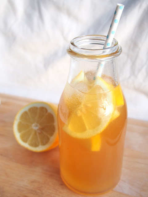 Sitruunainen jäätee