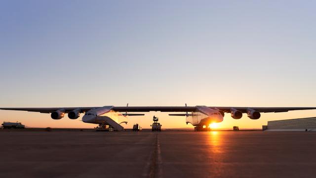 Опубликовано видео испытаний самого большого в мире самолета Stratolaunch