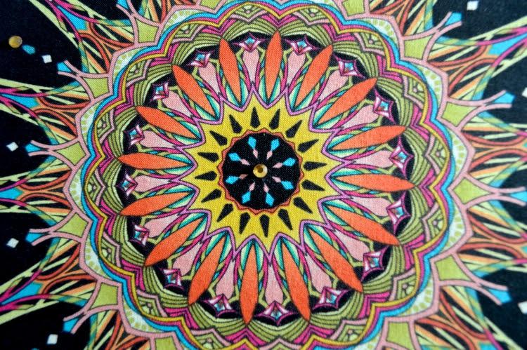 Mandala en bastidor de madera5