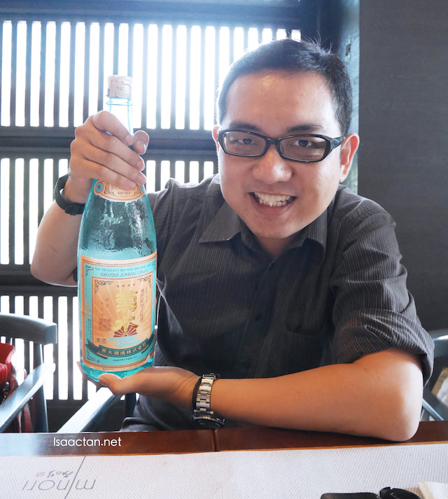 MINORI Japanese Restaurant Fine Dining @The Royal Chulan Damansara - That's just me with my bottle of premium Sake