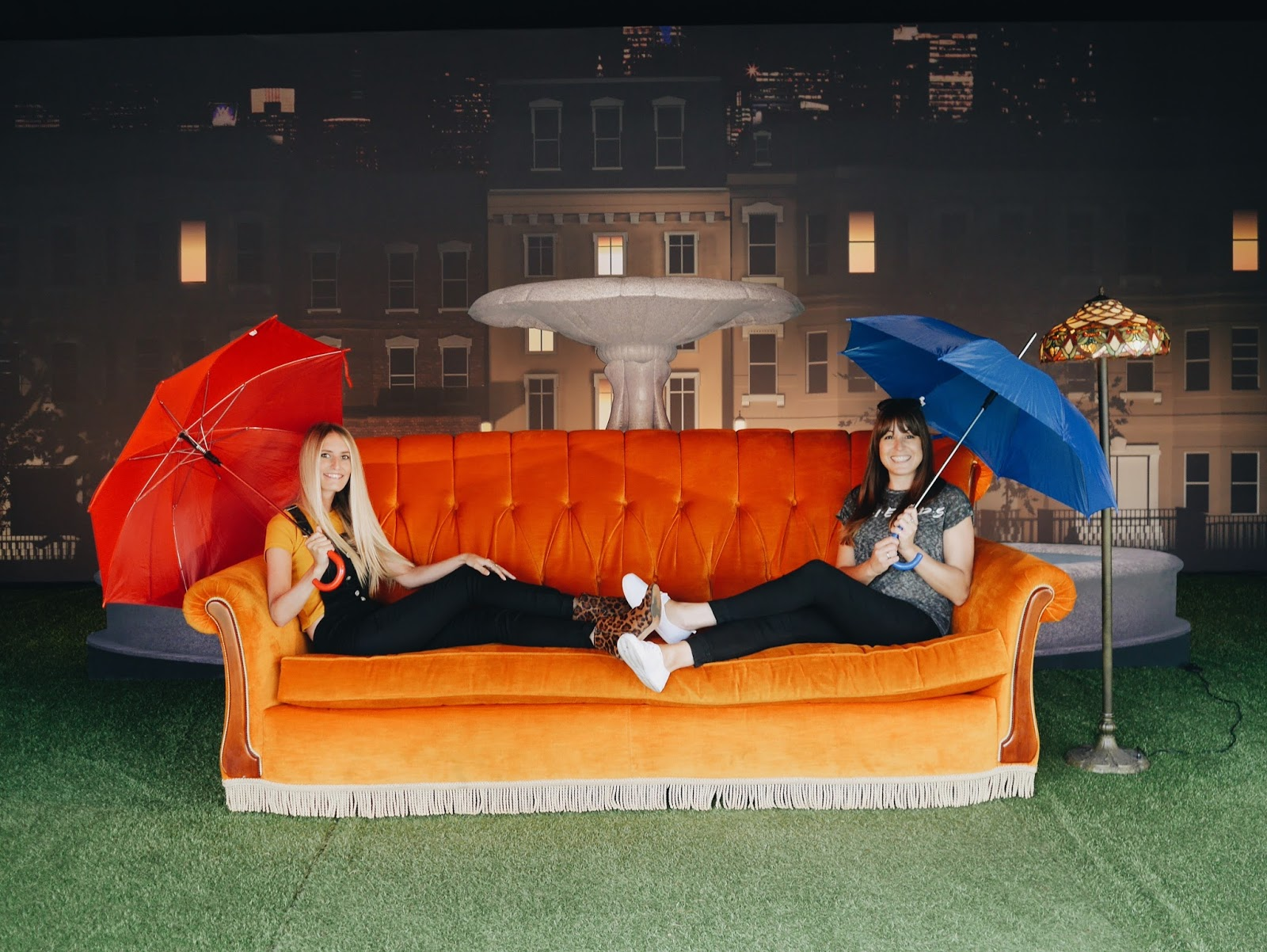 Sofa From Friends Cover Maker Singapore Central Perk Coffee Goes Under