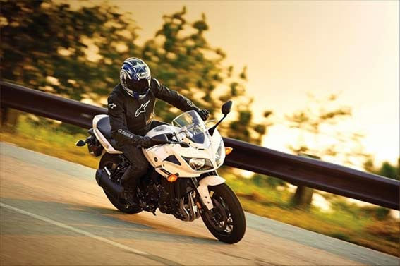 2014 Yamaha FZ1 Specs and Price