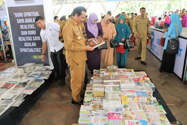 gresik24jam - 100 Penerbit Ramaikan Pameran Buku di Gresik