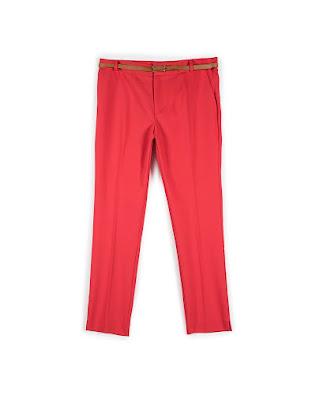 Immagine di pantaloni rossi Stradivarius