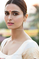 Meenakshi Dixit Unseen beautiful Stills from her movies ~  Exclusive Pics 006.jpg
