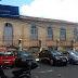 Rua transformada em estacionamento sem nenhuma explicação lógica da prefeitura