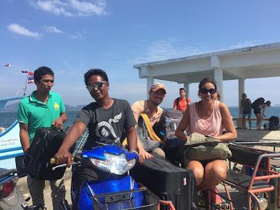 Foto van Ellis bij aankomst op het eiland Koh Mook