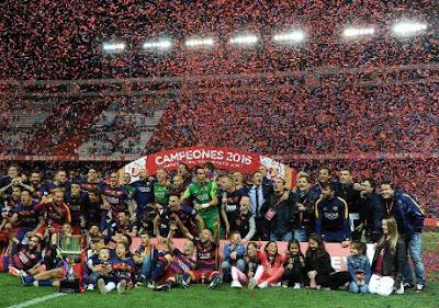 Năm thứ hai liên tiếp Barcelona đoạt cú đúp danh hiệu