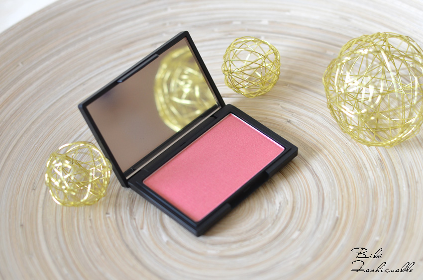 Sleek Blush Rose Gold offen