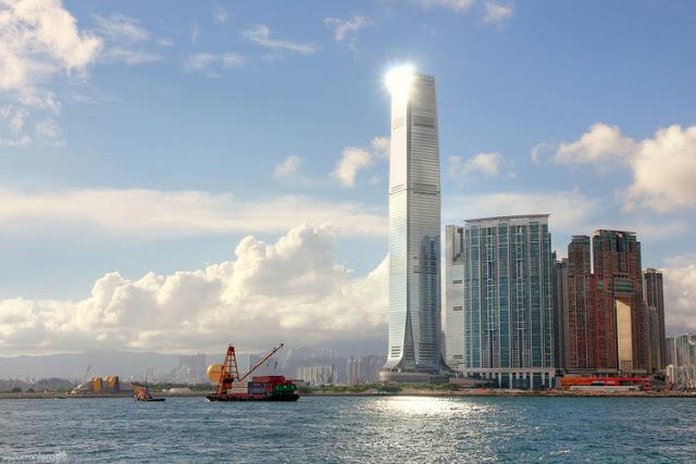 Tháp trung tâm tài chính Hồng Kông
