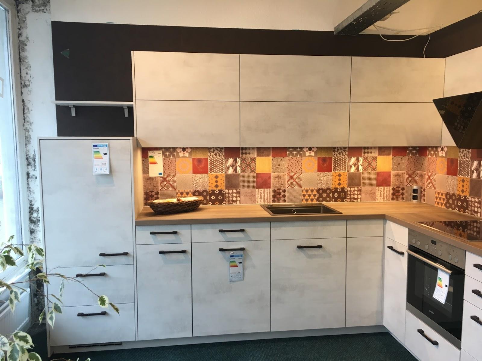 Nischenplatte Küche | küchenschrank glastür | badmöbel hängeschrank ...