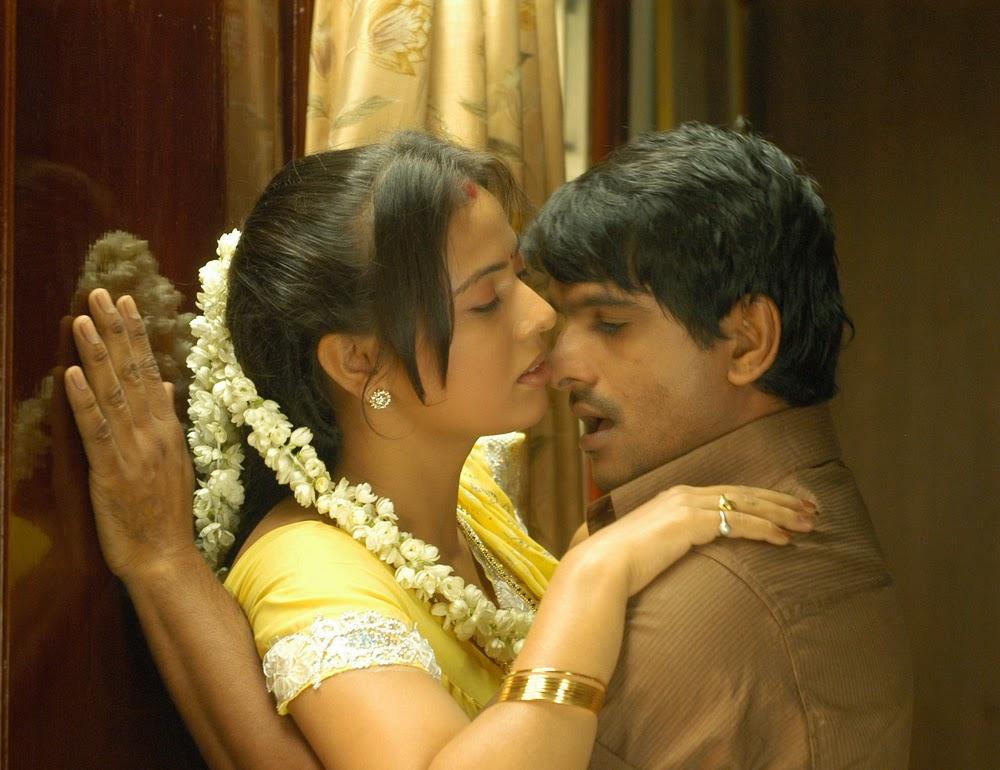 Desi cheating telugu married wife secretly fucked young boy - 1 4