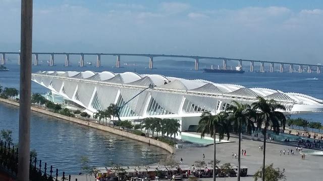 Museu do Amanhã, visto desde o MAR (Museu de Arte do Rio)