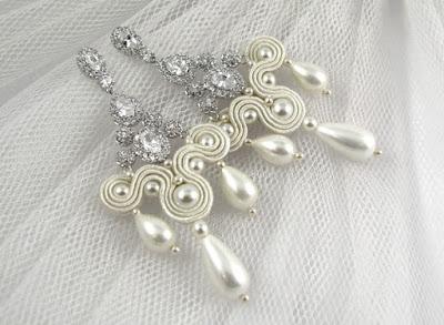 Kolczyki ślubne sutasz ivory z perłami.