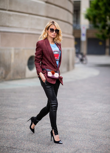 outfit leggings in pelle street style come abbinare I leggings in pelle leggings spalmati tendenze autunno inverno 2018-2019 mariafelicia magno fashion blogger blog di moda how to wear leather leggings