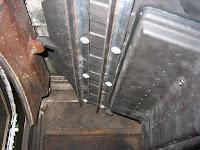 炉内のバッフルプレート