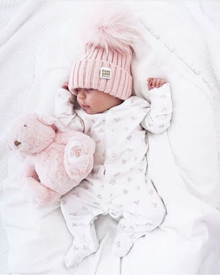 Funny images of newborn cute baby pictures HD photo gallery free download  HD Born baby images for desktop and mobile Facebook and Whatsapp profile pictures dp