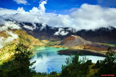 pesona indah danau segare di gunung rinjani