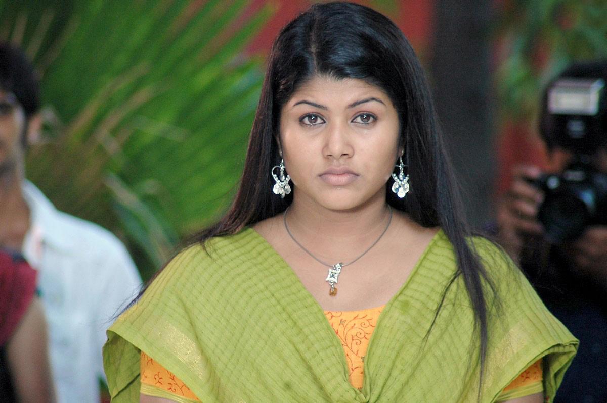Cinesizzlers: New Tamil Actress Varsha Hot Stills Gallery