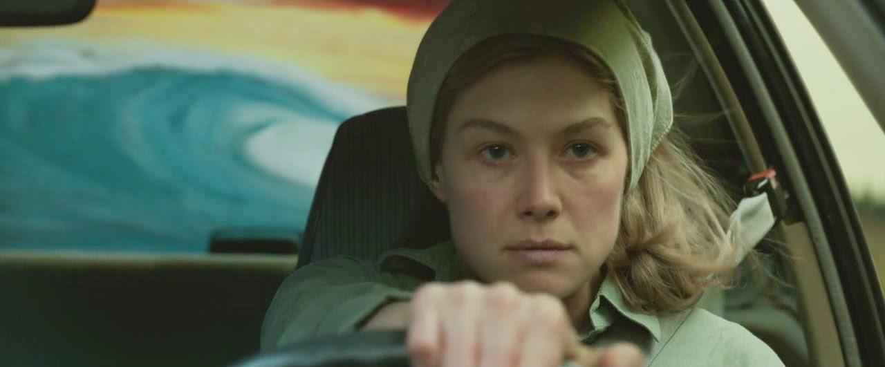 Es por eso por lo que me encanta esta película  adoro a Amy Dunne. Lo que  nos lleva a su punto fuerte número tres  Rosamund fucking Pike. 75b2aa29311f