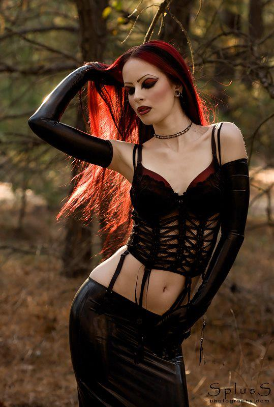 Have hot sexy goth girl have hit