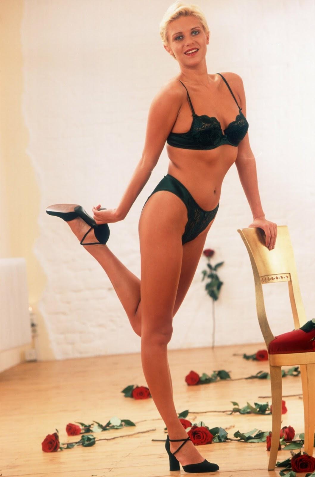 magdalena brzeska nackt - woodenbild :)