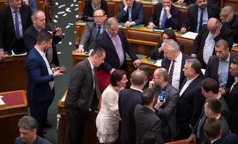 Országgyűlés Hivatala: törvényes volt a szavazási eljárás
