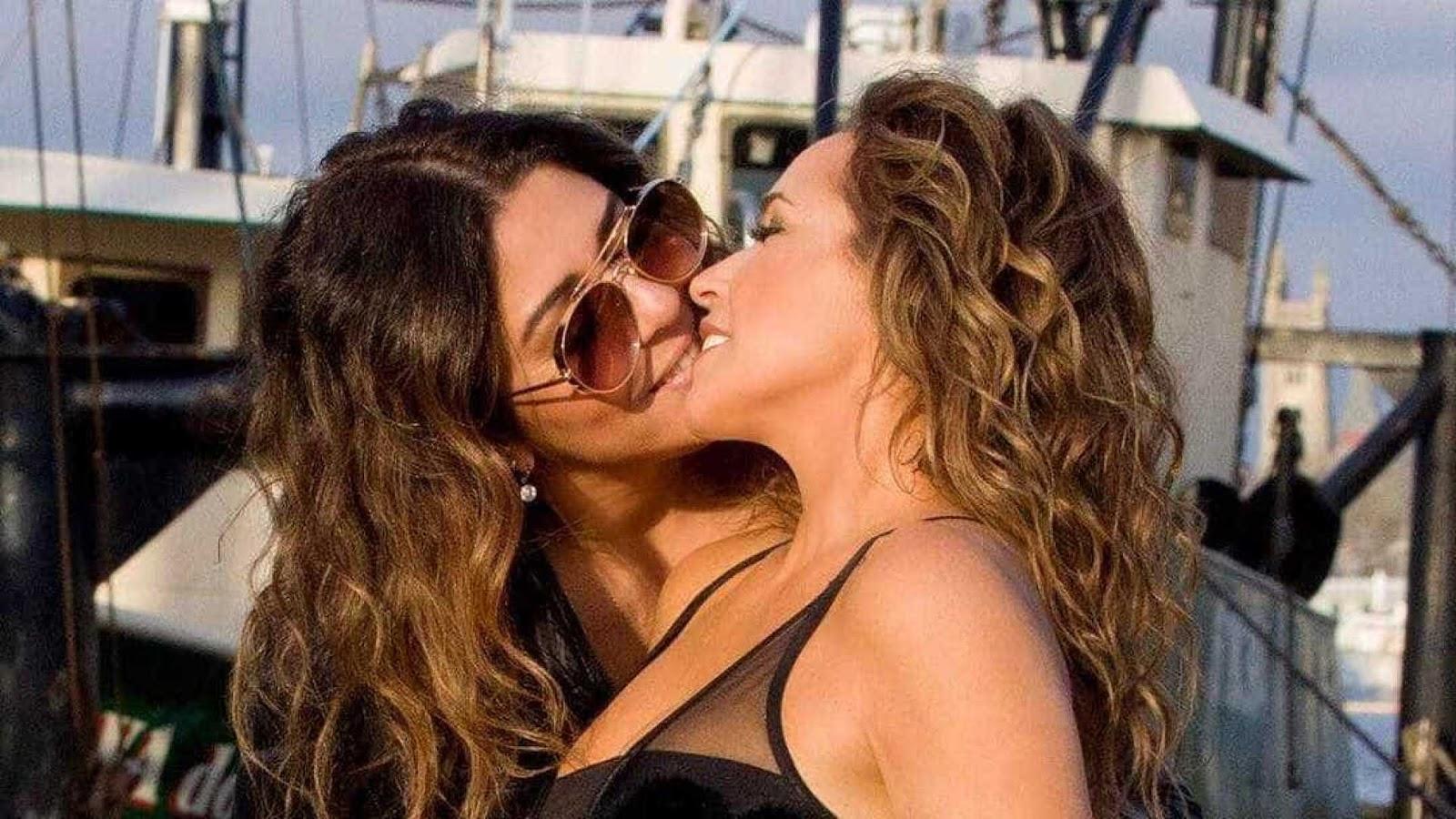 Daniela Mercury se derrete pela mulher: 'Ela só viaja agarrada em mim'
