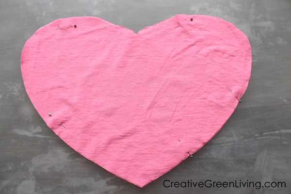 Upcycled t-shirt craft ideas - how to turn an old shirt into a pillow