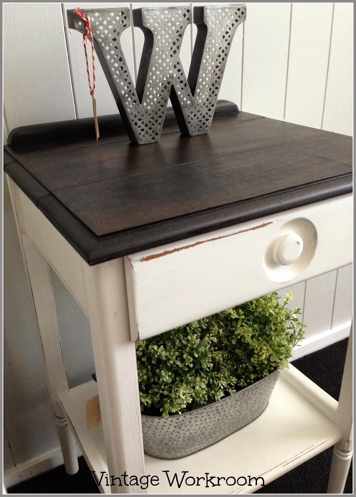 Retro Style Container Bedside Table: Vintage Workroom: Retro Painted Side Tables