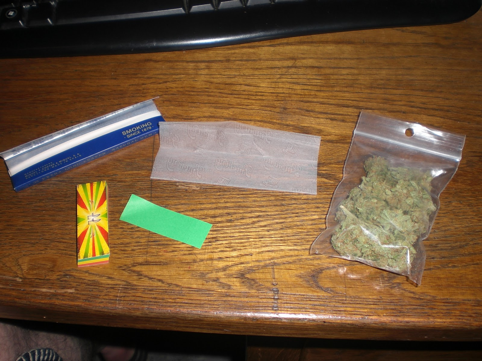 How To Roll A Joint.html | PkHowto