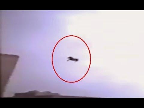 Subhanallah..!! Menguak Penampakan `Kuda Terbang` di Langit Mekah, Yg Di Duga Buroq...