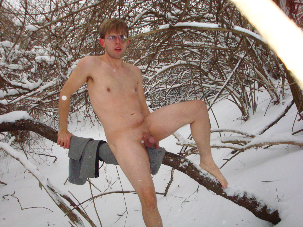 naked guy in snow jpg 853x1280
