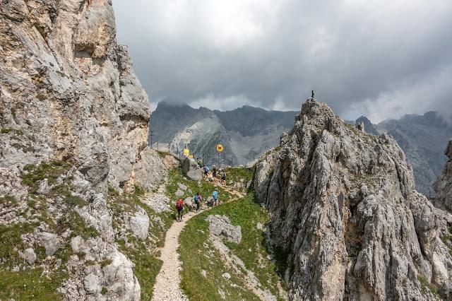 Übers Gatterl auf die Zugspitze  Alpentestival Garmisch-Partenkirchen   Gatterl-Tour auf die Zugspitze über ehrwalder Alm und Knorrhütte 09