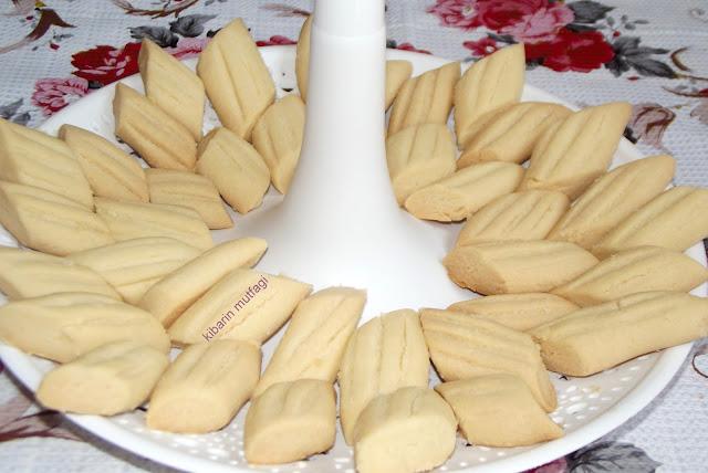 kolay ve pratik kurabiye  un kurabiyesi tarifi kurabiye tarifi kurabiye nasıl yapılır lezzetli kurabiye tarifleri gevrek kurabiye
