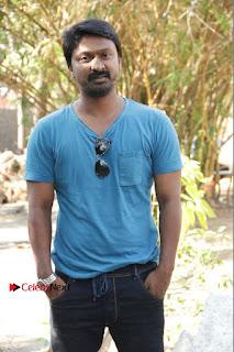 Vizhithiru Movie Press Meet Stills  0003.jpg