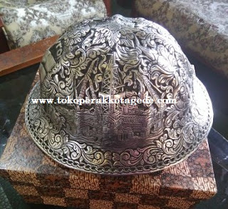 hard hat engraved,hard hat handmade engraved,helmet safety, helm safety,alumunium hard hat,brass hard hat,copper hard hat, pertambangan perak