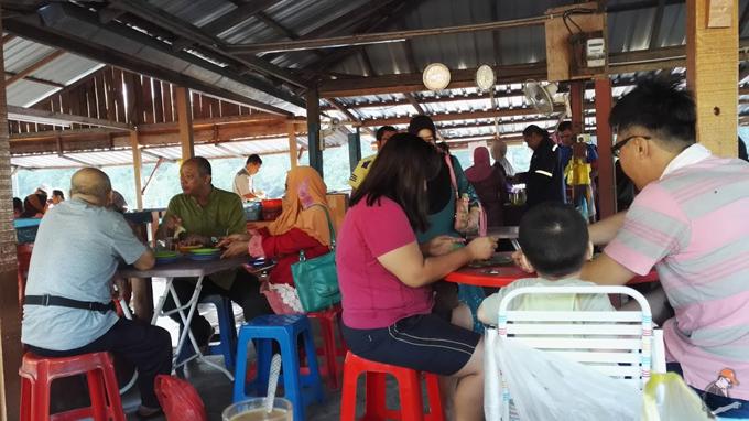 Tempat Sarapan Best di Lumut - Manjong