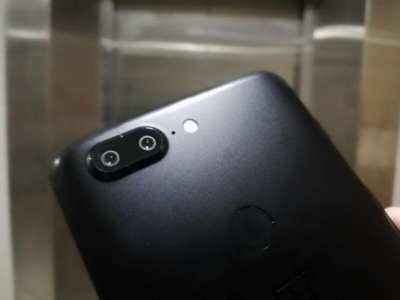 OnePlus 5T's Dual Rear Cameras