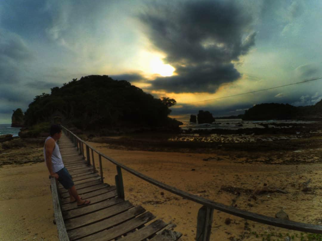 Bertualang Di Pantai Watu Lawang Dan Gunung Kombang Malang Mbois Ulasan Lengkap Tempat Wisata Kuliner Dan Penginapan Di Malang Raya