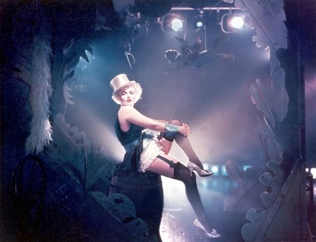 Marilyn como Marlene Dietrich por Richard Avedon