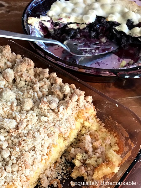 Easy Blueberry Pie and Crumb Cake