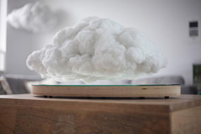 部屋の中に雲が浮く?雷雲のワイヤレススピーカー