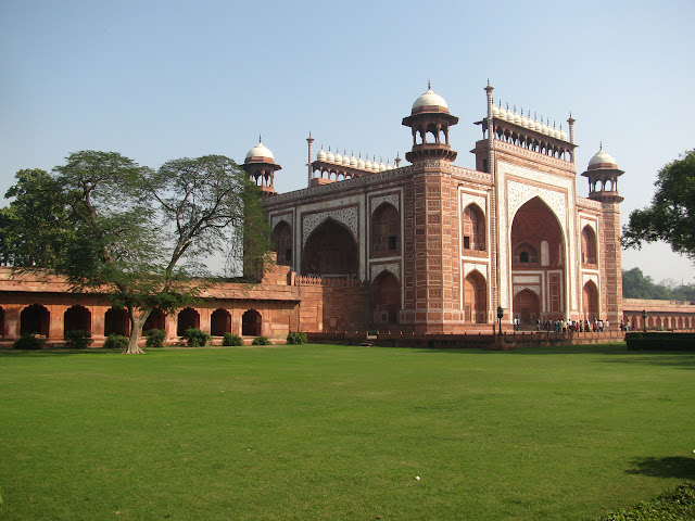 gate within the complex of the Taj Mahal