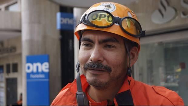 Despiden de su trabajo a topo de Coahuila que ayuda en derrumbes de CDMX