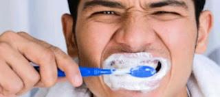 10 Cara menggosok gigi yang benar